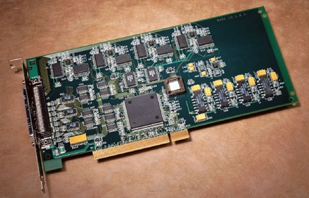 DT334  PCI Data Acquisition Board, 16-bit, 8 analog outputs, DIO